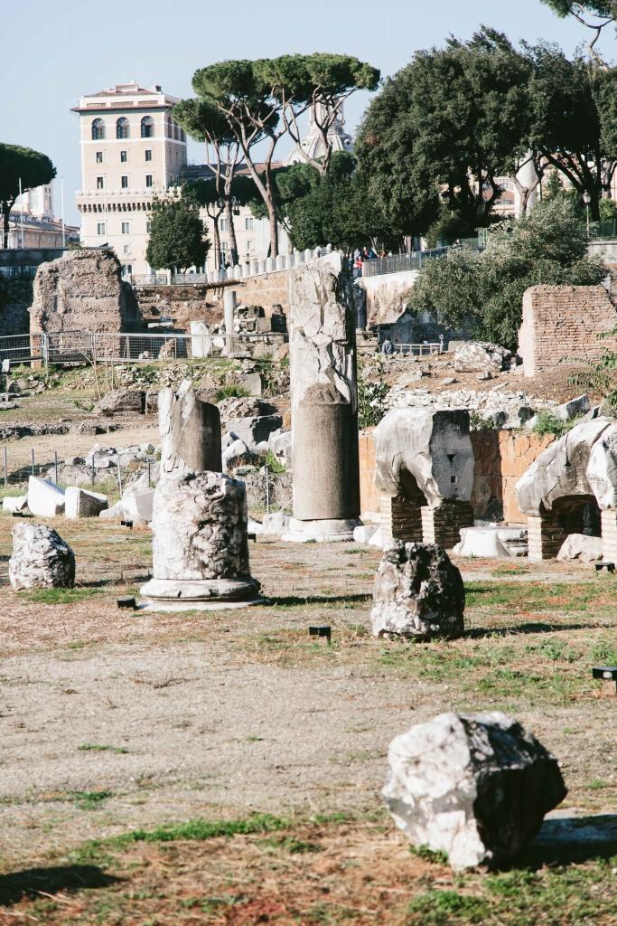 roman ruins italy