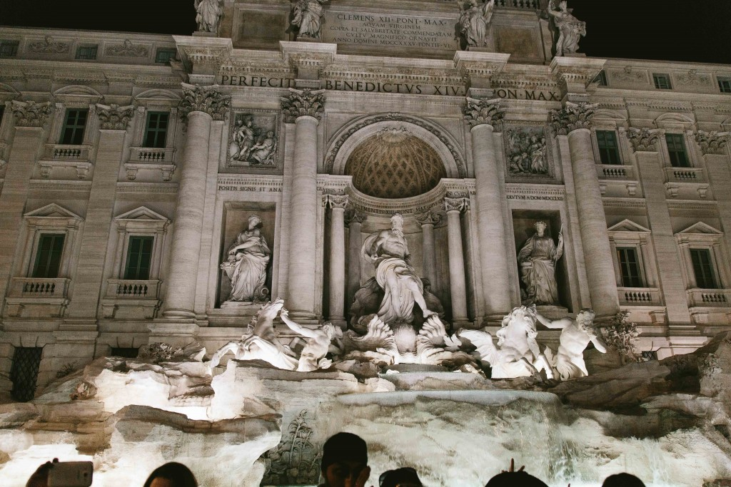 rome italy trevi fountain